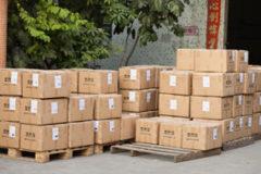 Подготовка недорогой китайской обуви к развозке по торговым точкам Киева
